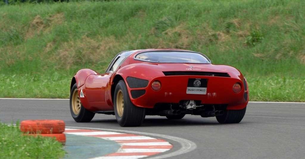 Scuderia-Campidoglio-Alfa-Romeo-33-Stradale_04